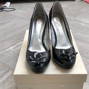 NWB Anthropologie Black Leather Heels w/ Bow Sz 8